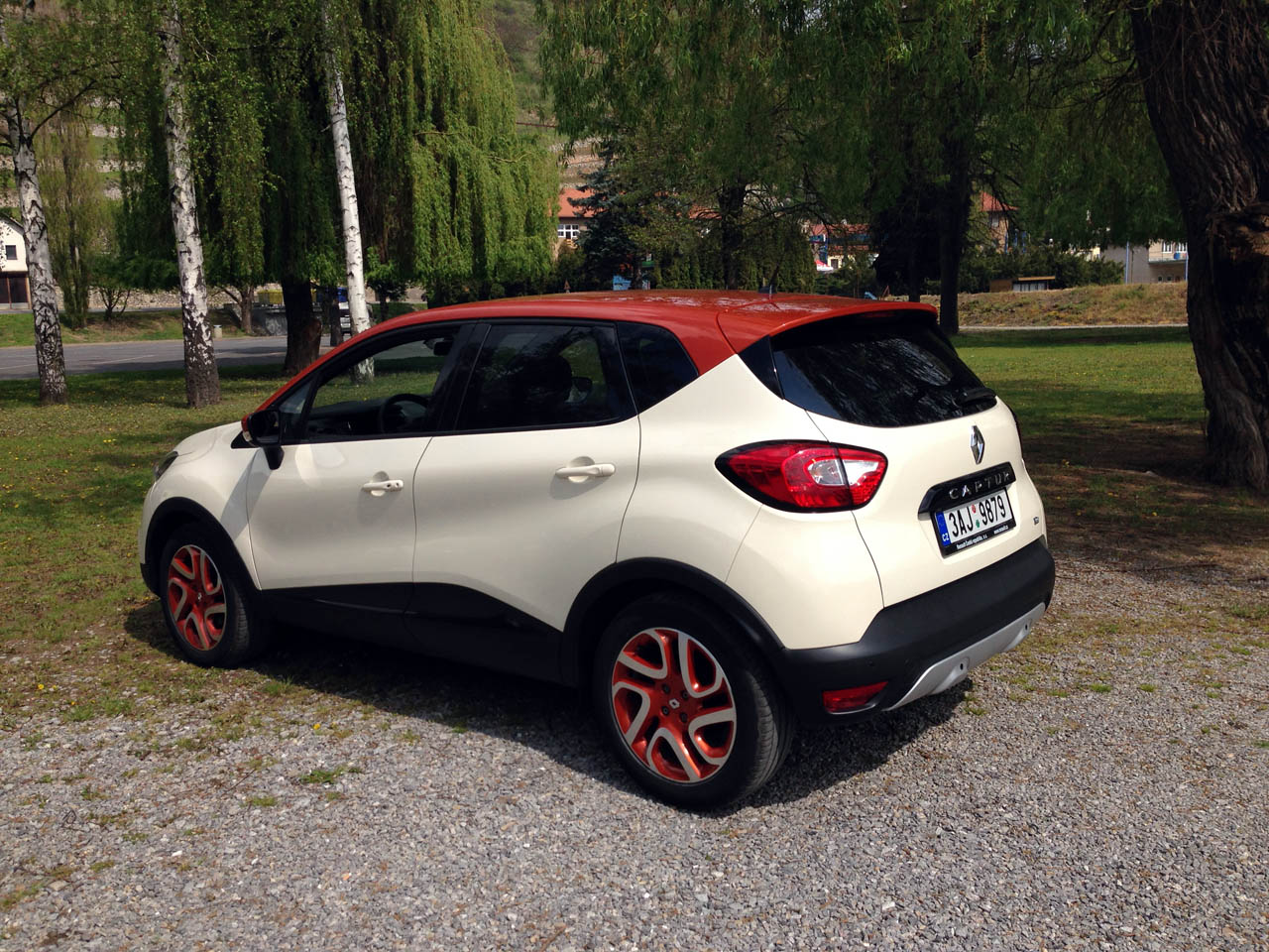 test renault captur 1 2 tce edc auto journal. Black Bedroom Furniture Sets. Home Design Ideas