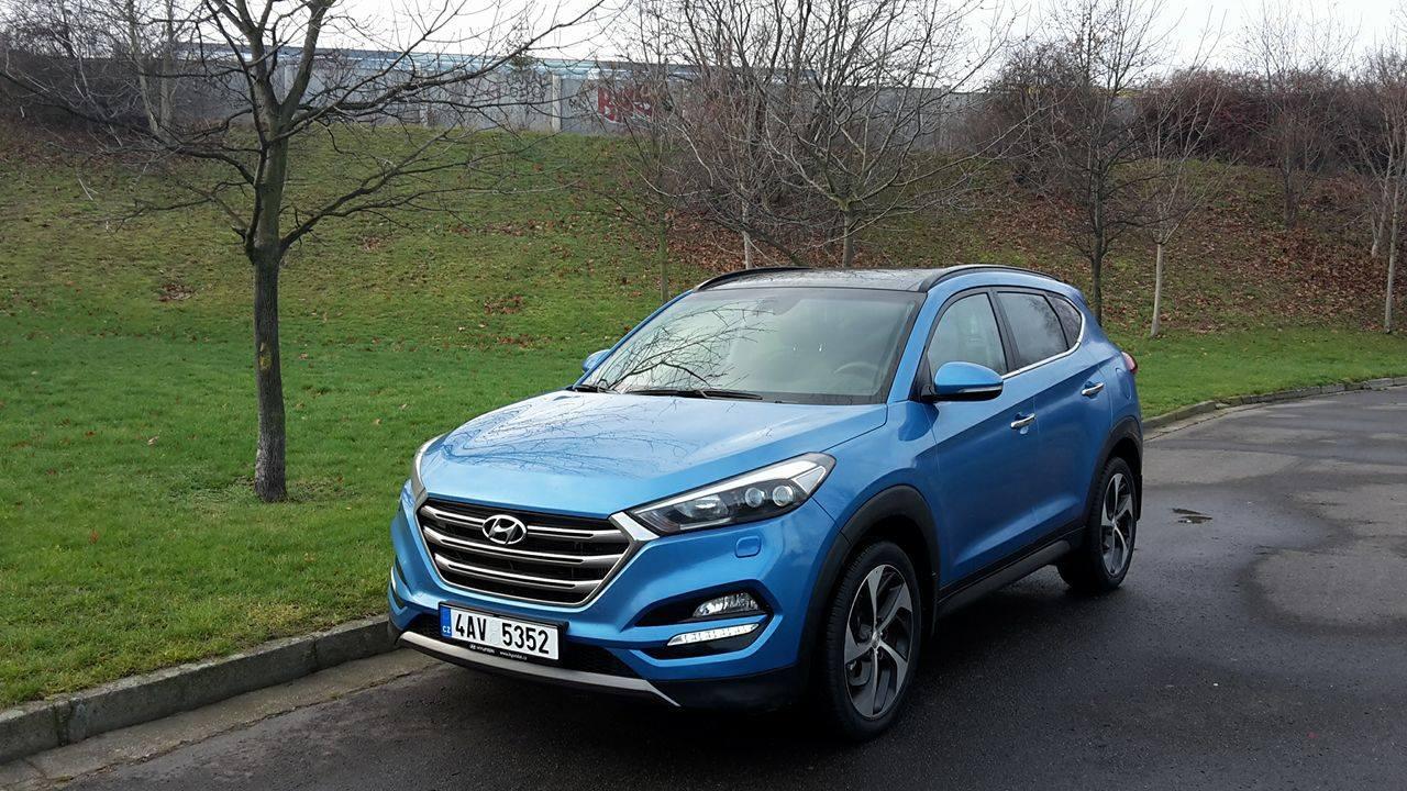 Hyundai tucson vs mercedes benz ml siln puber k proti for Mercedes benz tucson