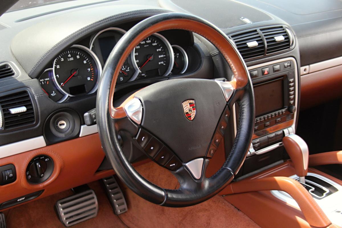 Test Ojetiny Porsche Cayenne S Auto Journal