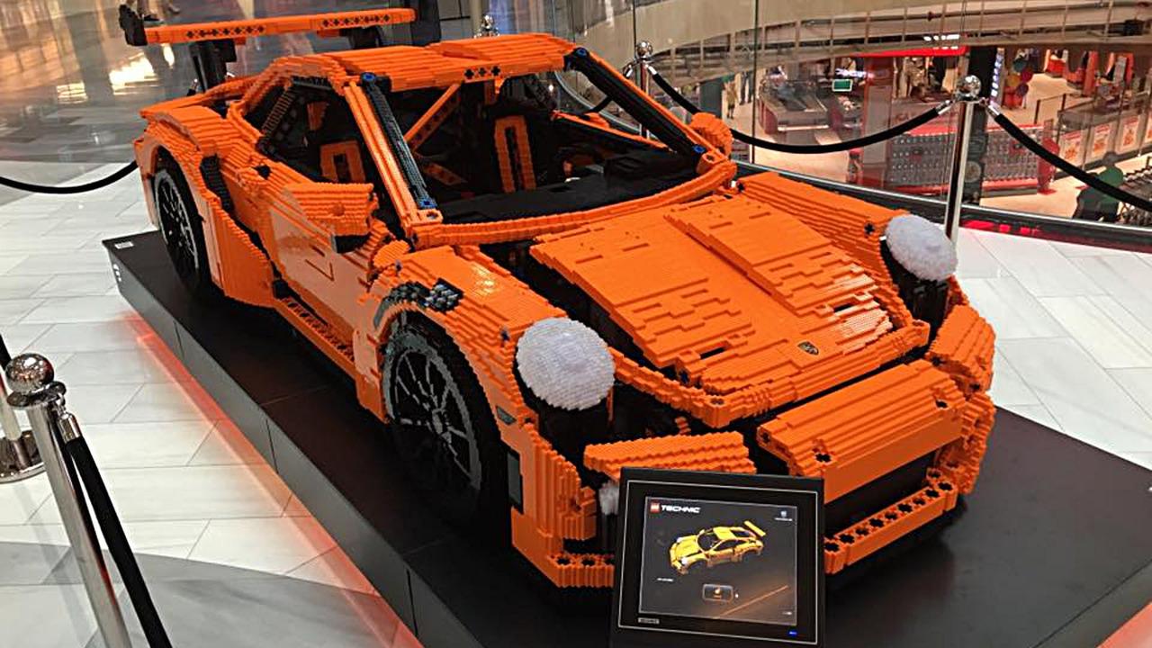 lego porsche 911 gt3 rs v ivotn velikosti to je sen ka d ho kluka auto. Black Bedroom Furniture Sets. Home Design Ideas