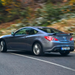 subaru brz vs hyundai genesis coupe in motion (16)