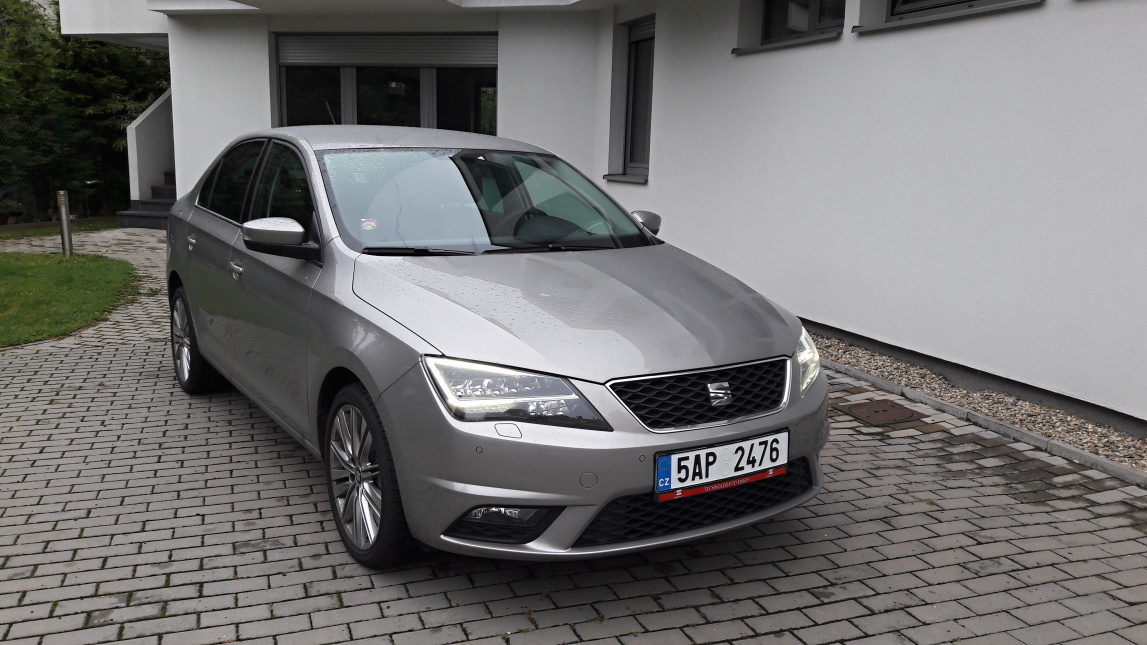 test seat toledo 1 2 tsi rapid deluxe auto journal. Black Bedroom Furniture Sets. Home Design Ideas