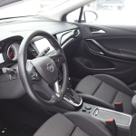 opel-astra-sports-tourer-interior (3)