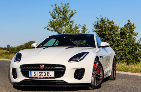 jaguar-f-type-coupe-2017-exterior-12