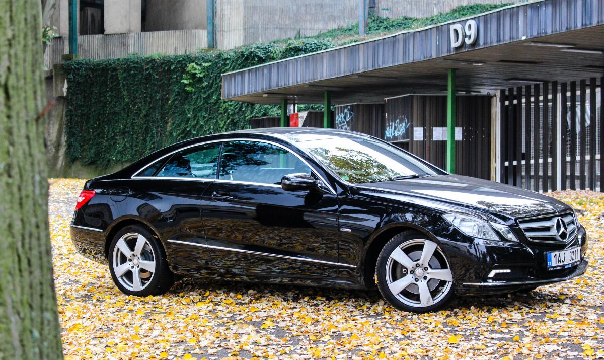 Bmw X2 2017 Aaa >> TEST ojetiny Mercedes-Benz E250 CDI Coupé – Nadčasové auto, které budete milovat. | Auto Journal