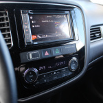 mitsubishi-outlander-my17-interior-2