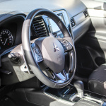 mitsubishi-outlander-my17-interior-6