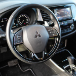 mitsubishi-outlander-my17-interior-7
