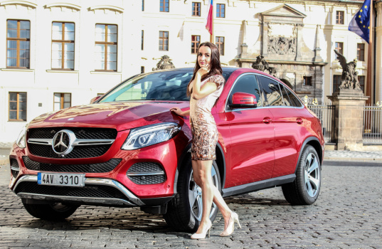 mercedes-benz-gle-coupe-and-a-girl-17