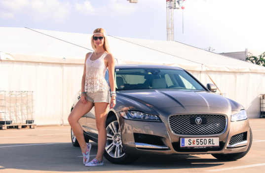 jaguar-xf-2016-and-a-girl-1