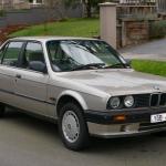 1990_bmw_318i_e30_4-door_sedan_2015-07-09_01