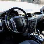 land-rover-discovery-3-interior-2