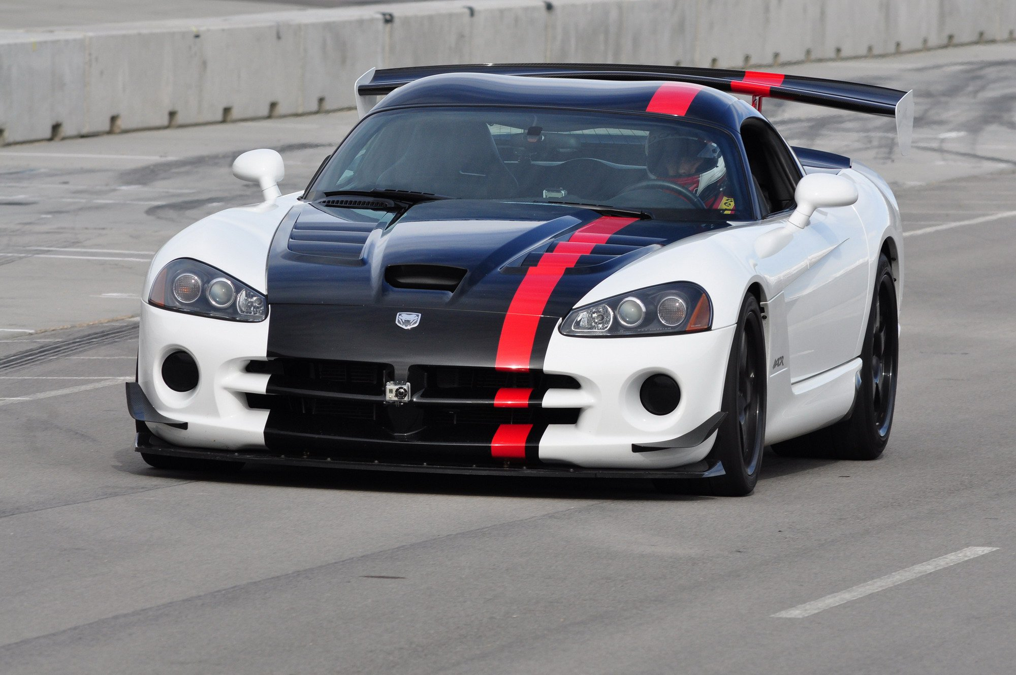 2008-dodge-viper-srt10-ac-1