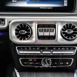 mercedes-benz-g-2018-interior-11