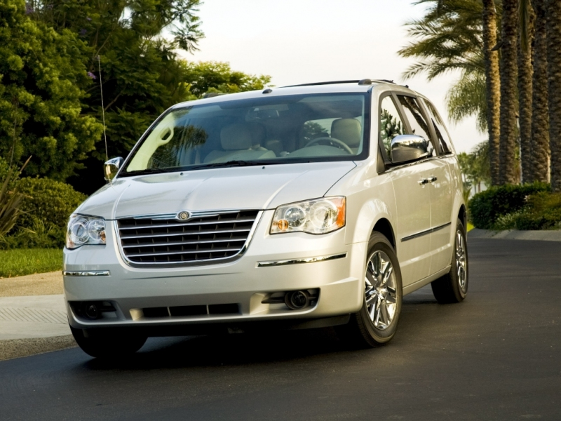 chrysler_town_country_voyager_2007_15crspoleh_01_800_600