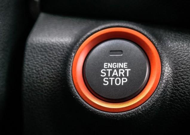 x3ybmu3rqi6hwugzenmqlgmajitelia-automobilov-s-bezk-ov-m-tartovan-m-vraj-m-u-zabudn-na-to-e-vozidlo-treba-aj-vypnaaaa
