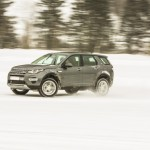 a_land_rover_discovery_sport_driving (14)