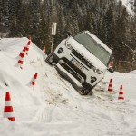 a_land_rover_discovery_sport_driving (6)