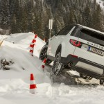 a_land_rover_discovery_sport_driving (7)