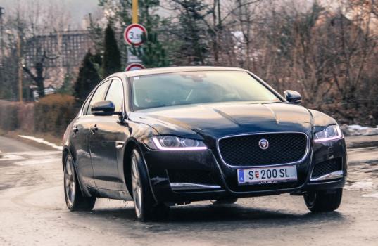 jaguar XF exterior (27)
