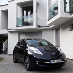 Nissan Leaf exterior (11)