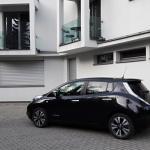Nissan Leaf exterior (4)