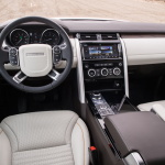 land-rover-discovery-5-interior-11