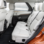land-rover-discovery-5-interior-15