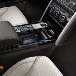 land-rover-discovery-5-interior-6