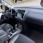 toyota-land-cruiser-interior-6