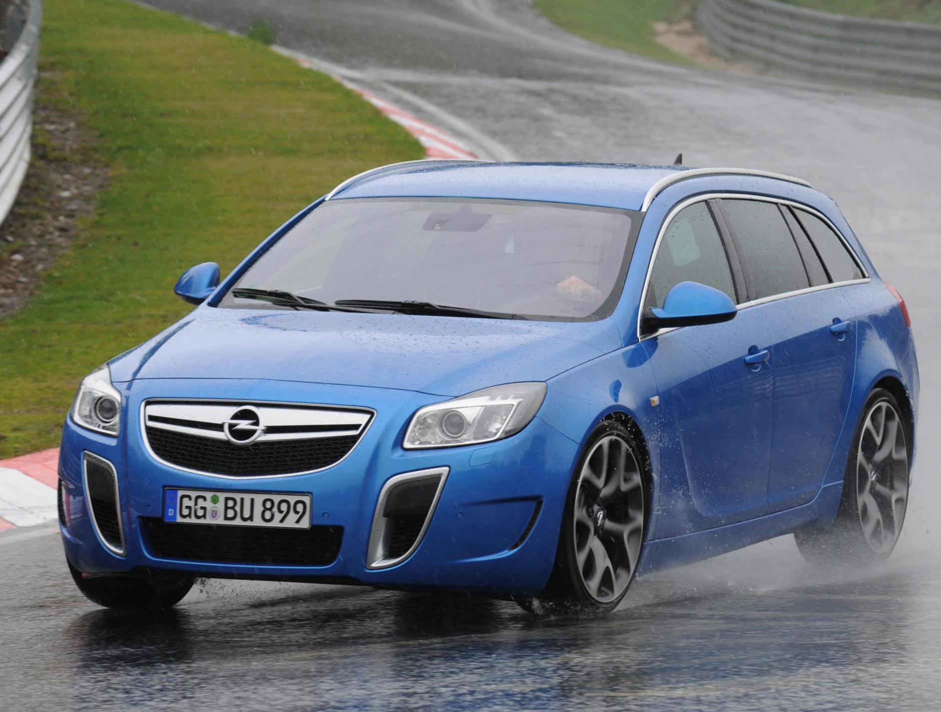 opel-insignia-opc-sports-tourer-approved