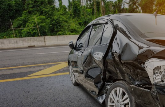 car-crash-accident-on-the-road-picture