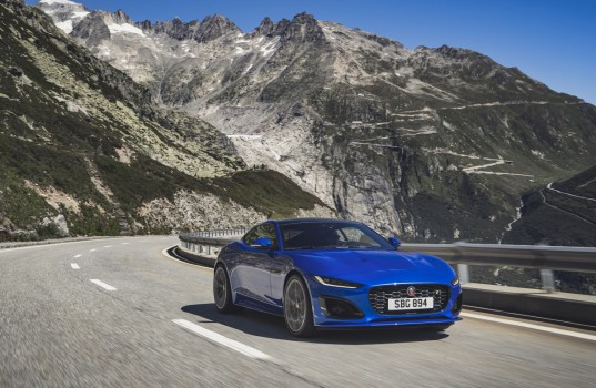 jag_f-type_r_21my_velocity_blue_reveal_switzerland_02-12-19_06