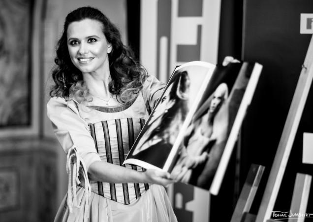 odhaleni-pirelli-kalendare-2020-zuzana-vejvodova