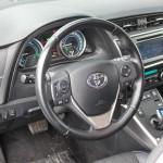 toyota-auris-hybrid-interior-4