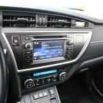 toyota-auris-hybrid-interior-8