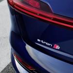 2021-elektromobil-audi_e-tron_s-11