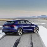 2021-elektromobil-audi_e-tron_s-4