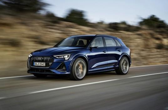 2021-elektromobil-audi_e-tron_s-6