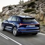 2021-elektromobil-audi_e-tron_s-8