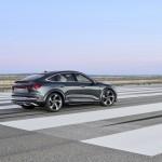 2021-elektromobil-audi_e-tron_s_sportback-2-1