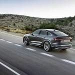 2021-elektromobil-audi_e-tron_s_sportback-4