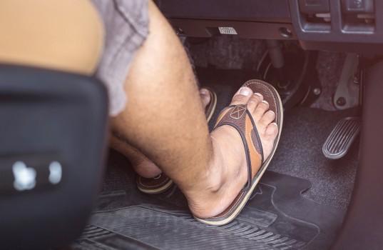 drivingshoes-sandal