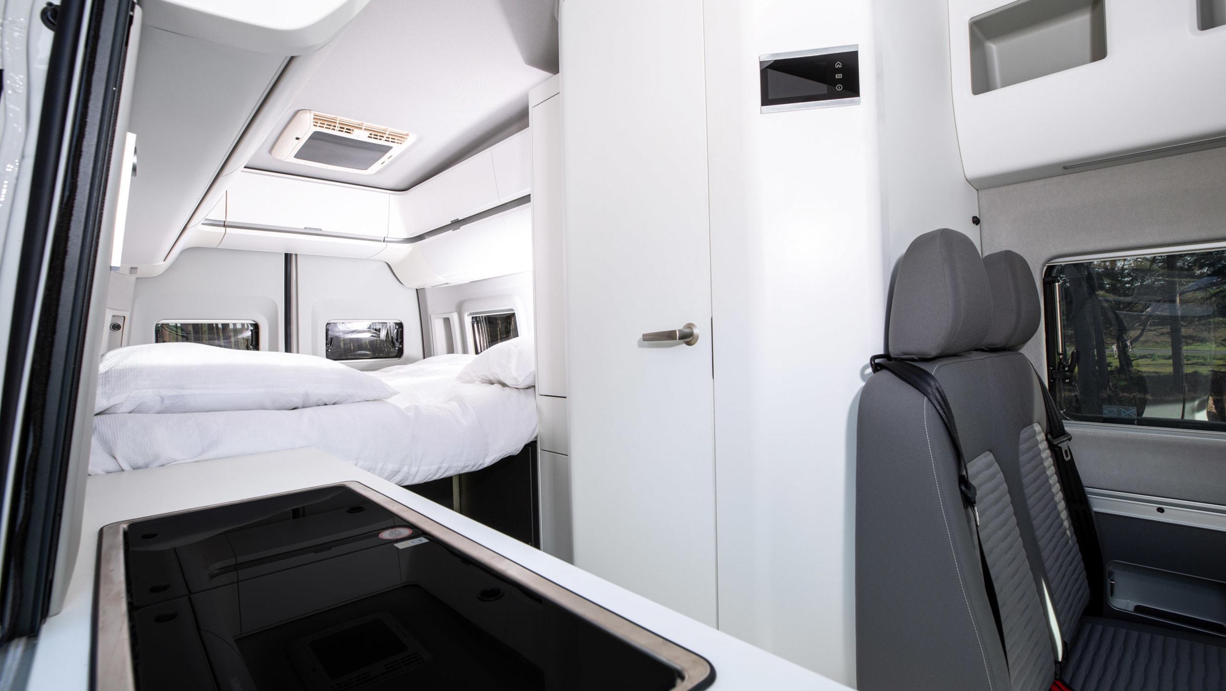 2020-volkswagen-grand-california-680-17