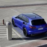 2020-volkswagen-touareg-r-plug-in-hybrid-12
