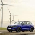 2020-volkswagen-touareg-r-plug-in-hybrid-2