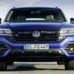 2020-volkswagen-touareg-r-plug-in-hybrid-3