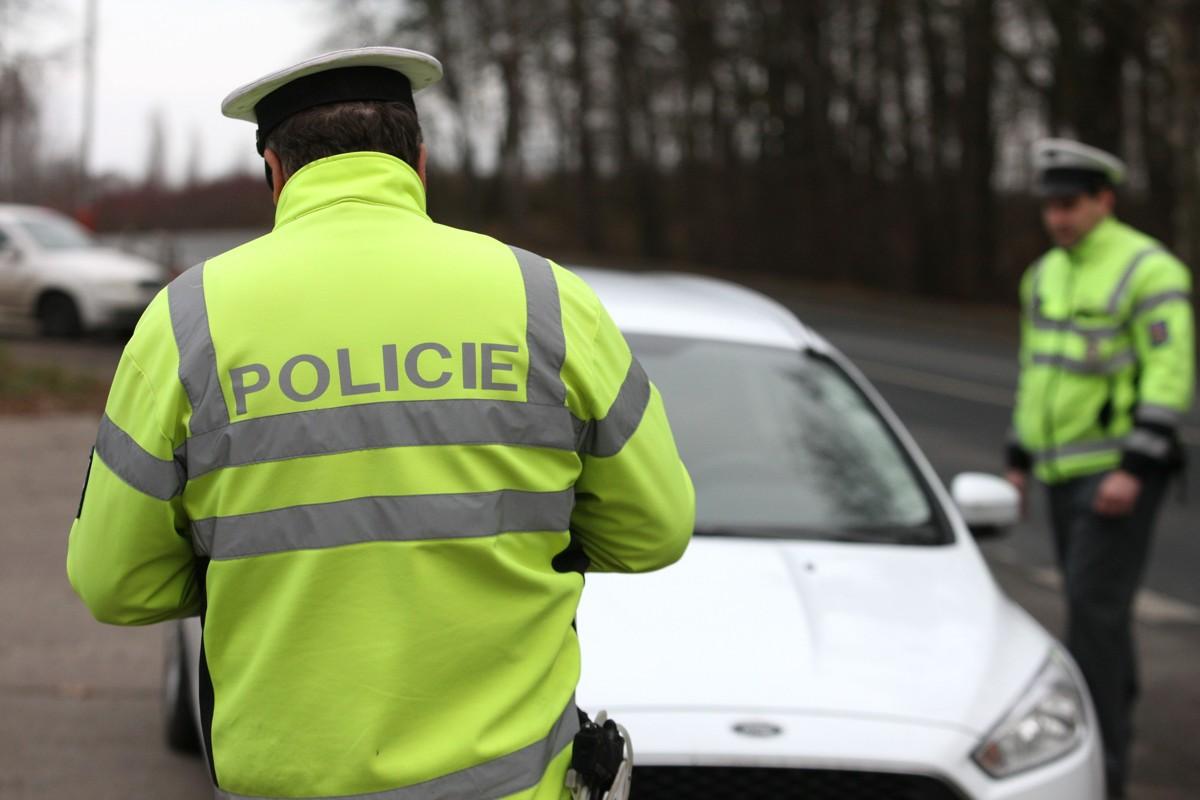 policie233s