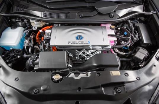 motor-vodikove-toyoty-mirais