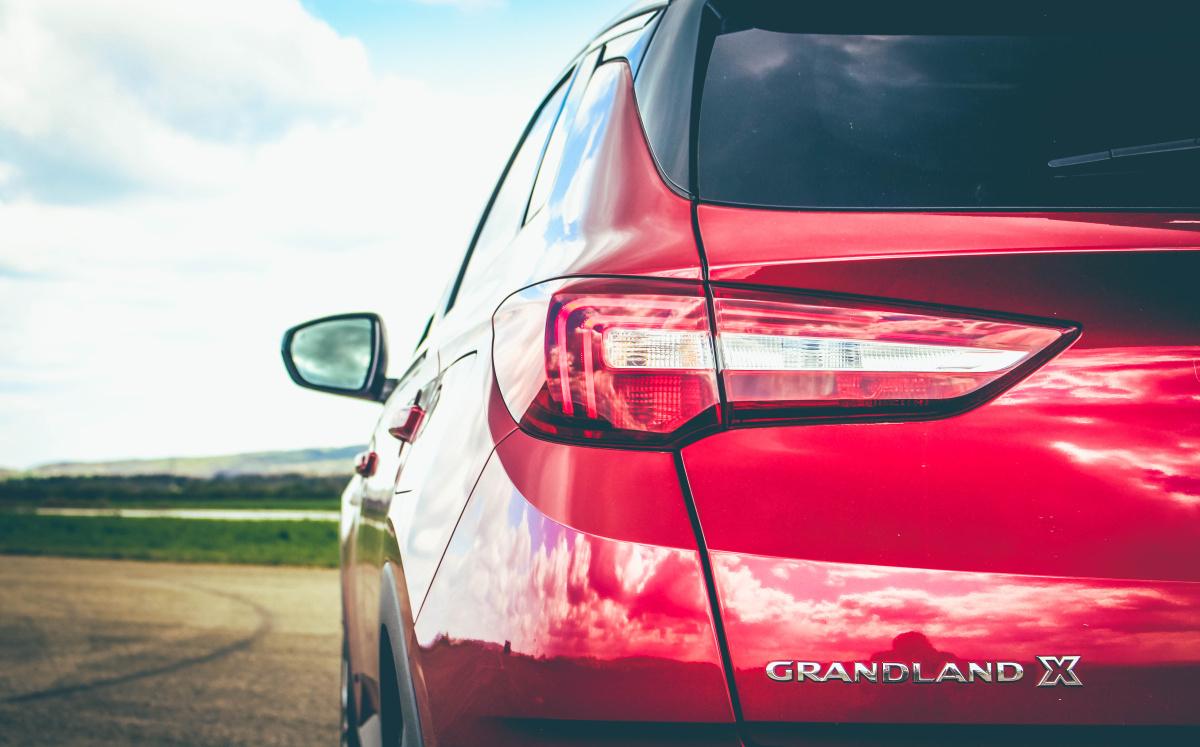 opel-grandland-x-hybrid4-22